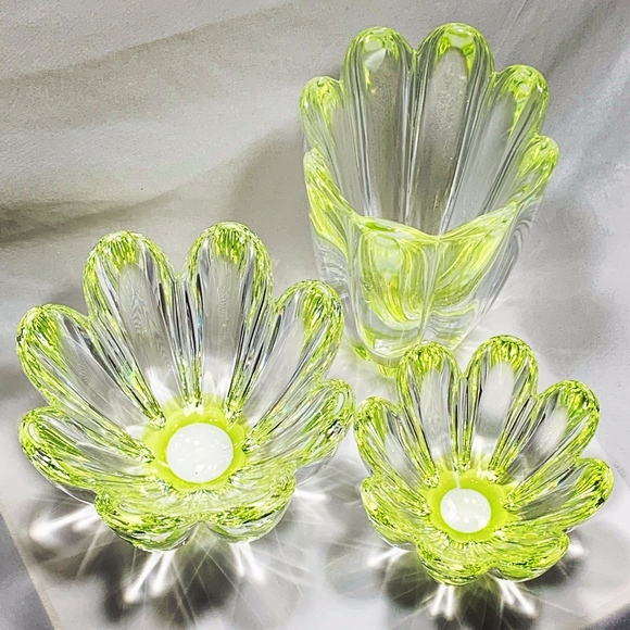 Orrefors Kostaboda Other - Orrefors Fluted Fleurs Vase & Bowl Set